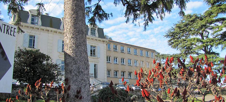 07300 - Tournon-sur-Rhône - Lycée Professionnel Privé La Pélissière