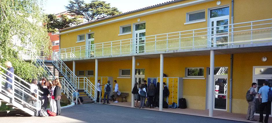 12104 - Millau - Lycée Général et Technologique Privé Jeanne d'Arc