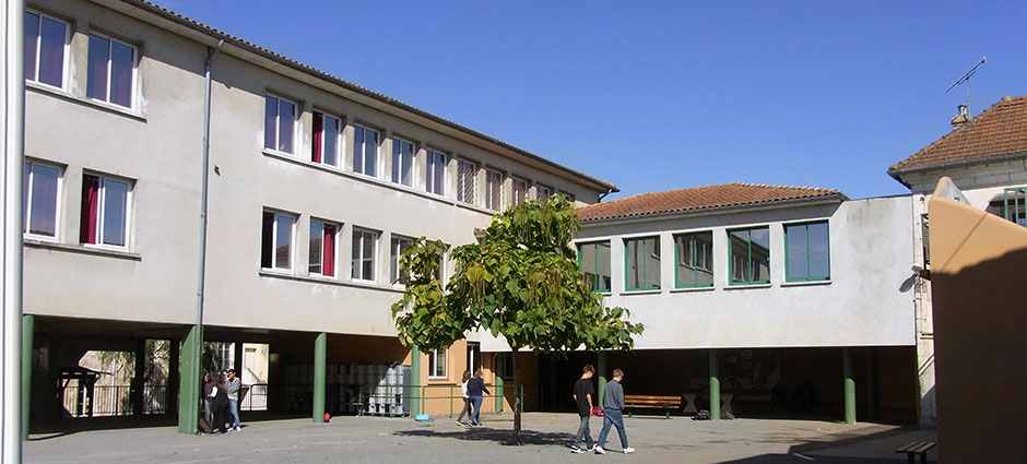 16110 - La Rochefoucauld - Collège Anne-Marie MARTEL