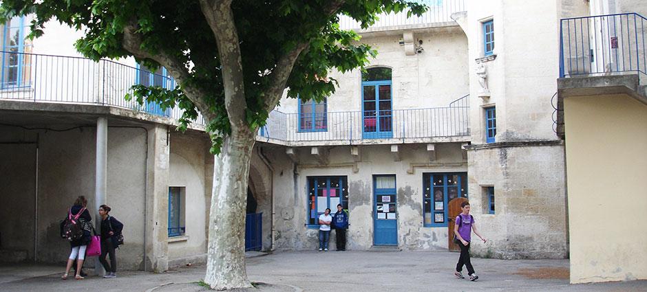 30300 - Beaucaire - Collège Privé d'Alzon - Notre Dame