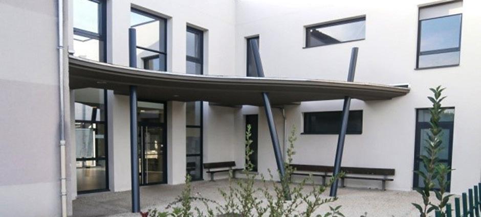 37176 - Chambray-lès-Tours - Lycée Polyvalent Privé Sainte-Marguerite