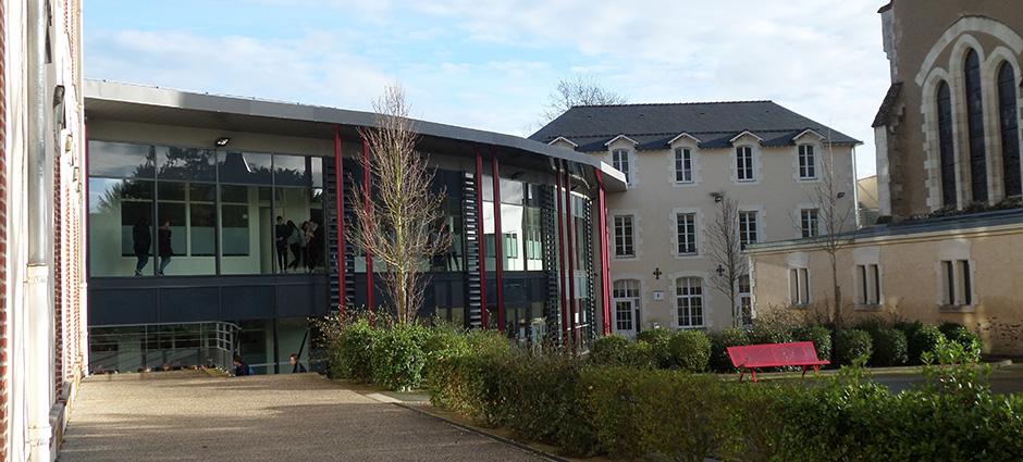 53200 - Château-Gontier - Lycée Professionnel Privé Robert Schuman