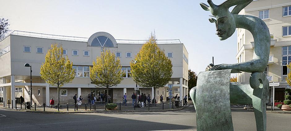 78180 - Montigny-le-Bretonneux - Lycée Saint-François d'Assise