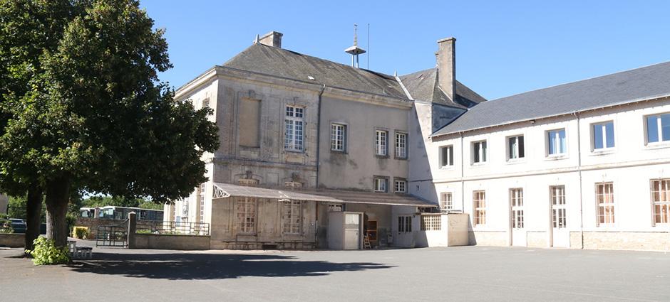 86700 - Couhé - Internat du Collège La Salle Saint-Martin