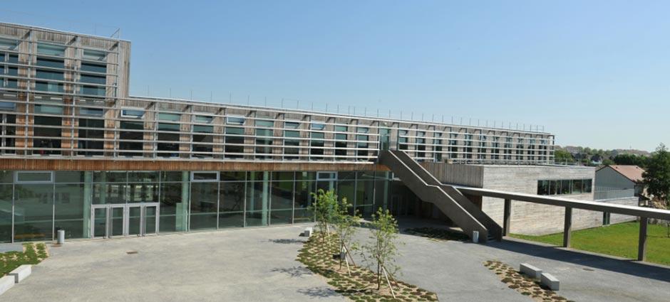 95280 - Jouy-le-Moutier - Lycée Notre-Dame de la Compassion Louise  Elisabeth Molé