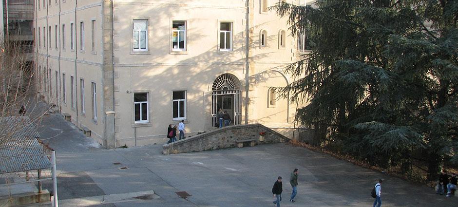 07201 - Aubenas - Lycée Polyvalent Privé Jules-Froment des Métiers de la Relation dans le Commerce, les Services,  la Santé et le Social