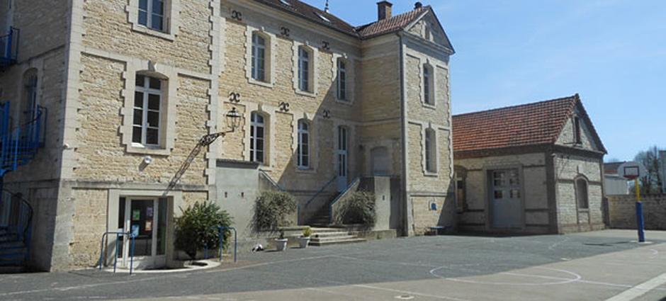 10110 - Bar-sur-Seine - École Privée Henri-Breton