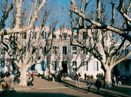 13300 - Salon-de-Provence - Lycée Privé Catholique Viala Lacoste