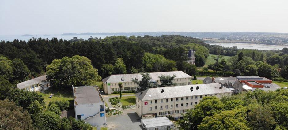 22620 - Ploubazlanec - Internat du Lycée Privé Catholique Kersa - La Salle