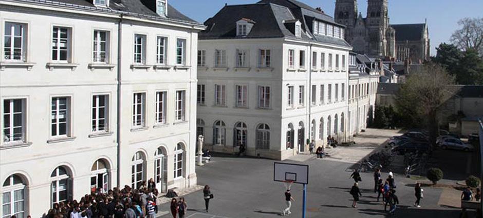 37009 - Tours - Lycée Sainte-Ursule - Ensemble Scolaire Saint-Jean XXIII