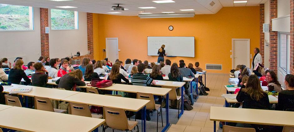 56110 - Gourin - Classe de remise à niveau scientifique tous bacs pour remédier aux attentes de l'enseignement Supérieur
