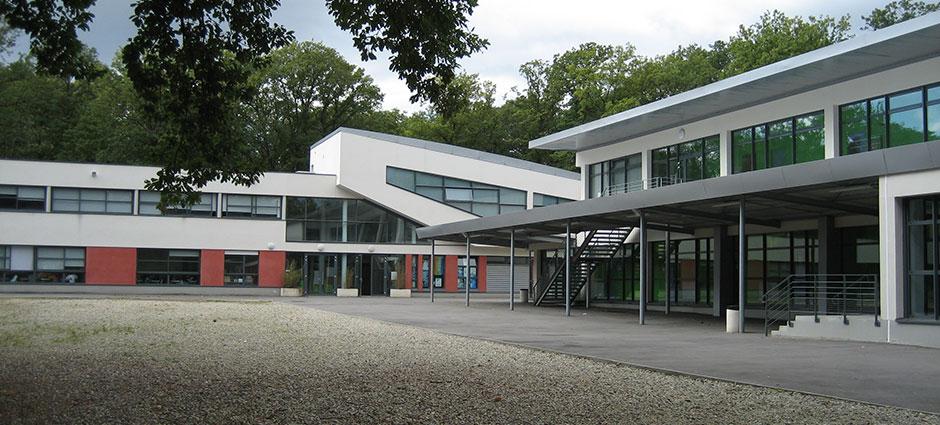 91620 - La Ville-du-Bois - Institution du Sacré-Coeur, Lycée général et technologique Jean-Paul II