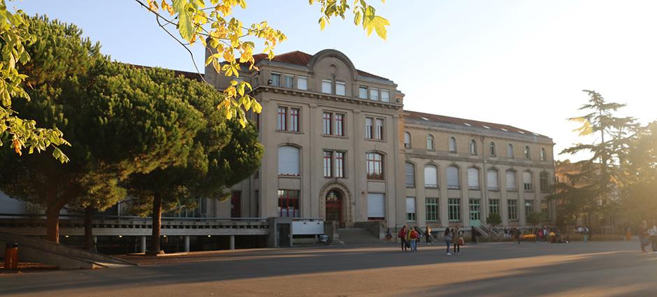 33073 - Bordeaux - Internat de l'Ensemble Scolaire Saint-Joseph de Tivoli