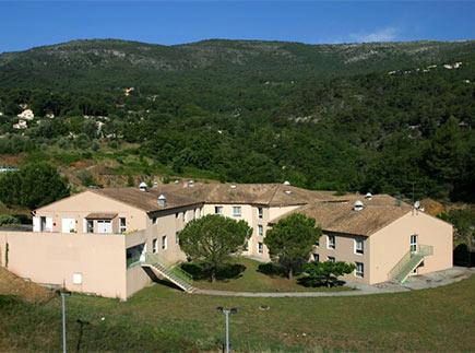 Etablissement d'Hébergement pour Personnes Agées Dépendantes - 06510 - Gattières - EHPAD Résidence La Maison Bleue