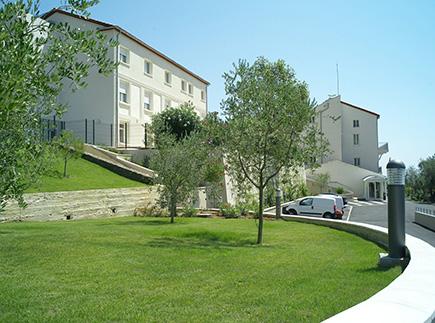 Etablissement d'Hébergement pour Personnes Agées Dépendantes - 06740 - Châteauneuf-Grasse - EHPAD Résidence Diamantine