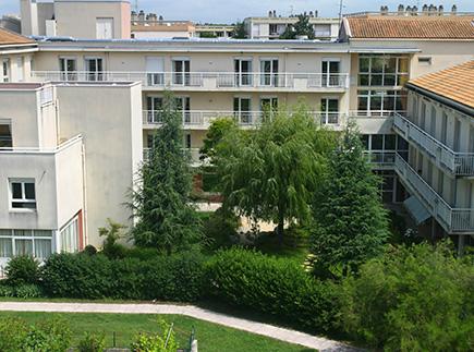 Etablissement d'Hébergement pour Personnes Agées Dépendantes - 07500 - Guilherand-Granges - EHPAD Résidence Les Tamaris