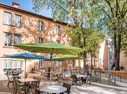 Etablissement d'Hébergement pour Personnes Agées Dépendantes - 11000 - Carcassonne - Korian Le Bastion