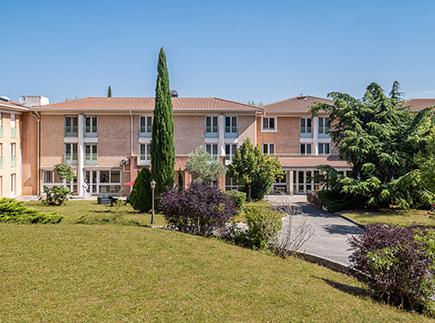 Centre de Soins de Suite - Réadaptation - 13610 - Le Puy-Sainte-Réparade - Korian - Clinique Les Oliviers