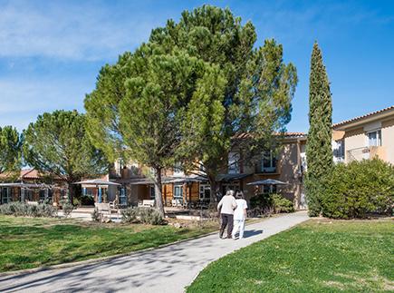Etablissement d'Hébergement pour Personnes Agées Dépendantes - 13610 - Le Puy-Sainte-Réparade - Korian Les Lubérons