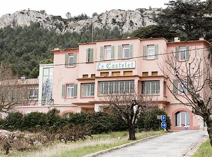 Etablissement d'Hébergement pour Personnes Agées Dépendantes - 13830 - Roquefort-la-Bédoule - Colisée - Résidence Castelet Notre-Dame