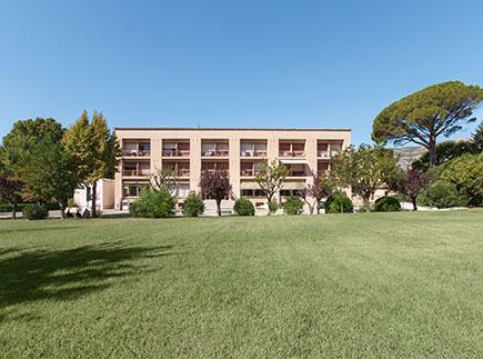 Centre de Soins de Suite - Réadaptation - 13360 - Roquevaire - Colisée - Clinique Saint-Laurent