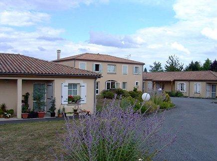 Maison de Retraite Non Médicalisée - 16310 - Montemboeuf - MARPA - Résidence Service Les Cèdres CIAS