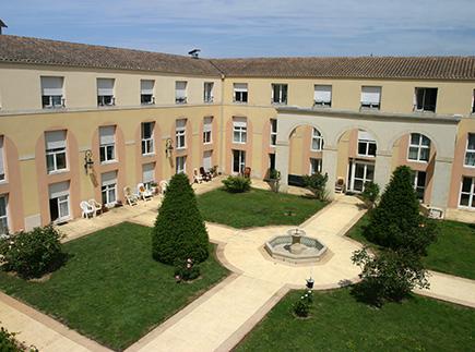 Etablissement d'Hébergement pour Personnes Agées Dépendantes - 17000 - La Rochelle - EHPAD Résidence La Claire Fontaine