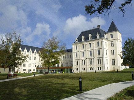 Etablissement d'Hébergement pour Personnes Agées Dépendantes - 17100 - Saintes - EHPAD Résidence de Recouvrance