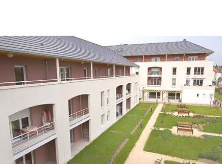 Domitys Le Village - Résidence avec Services