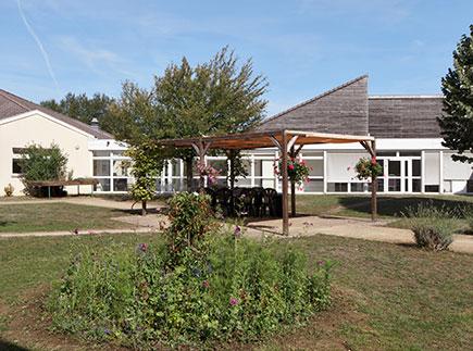 Etablissement d'Hébergement pour Personnes Agées Dépendantes - 21310 - Belleneuve - Colisée - Résidence Coronis