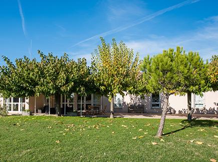 Etablissement d'Hébergement pour Personnes Agées Dépendantes - 26450 - Charols - Korian Drôme Provençale