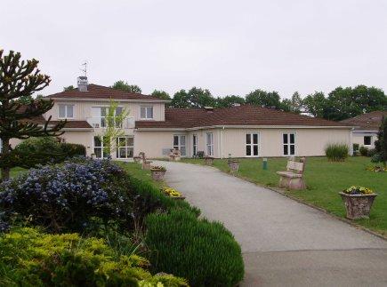 Etablissement d'Hébergement pour Personnes Agées Dépendantes - 28330 - La Bazoche-Gouet - EHPAD Résidence Aquarelle
