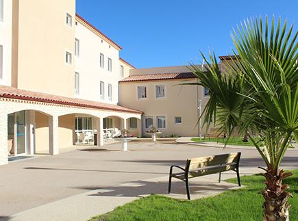 Etablissement d'Hébergement pour Personnes Agées Dépendantes - 30730 - Parignargues - EHPAD Résidence Château Notre-Dame