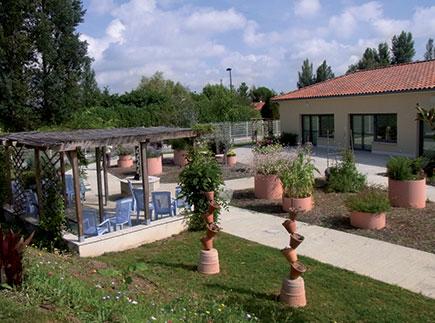 Etablissement d'Hébergement pour Personnes Agées Dépendantes - 31140 - Pechbonnieu - Centre Alzheimer Marie-Louise EHPAD