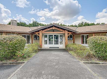 Etablissement d'Hébergement pour Personnes Agées Dépendantes - 33830 - Belin-Béliet - Korian Le Chalet
