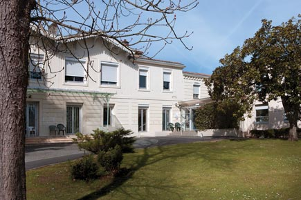 Centre de Soins de Suite - Réadaptation Spécialisé - 33150 - Cenon - Korian Hauterive