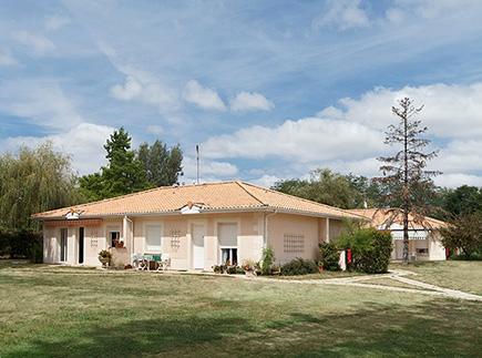 Etablissement d'Hébergement pour Personnes Agées Dépendantes - 33240 - La Lande-de-Fronsac - Colisée - Résidence des Bois de Landecotte