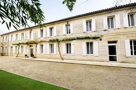 Etablissement d'Hébergement pour Personnes Agées Dépendantes - 33500 - Libourne - Résidence Les Charmilles