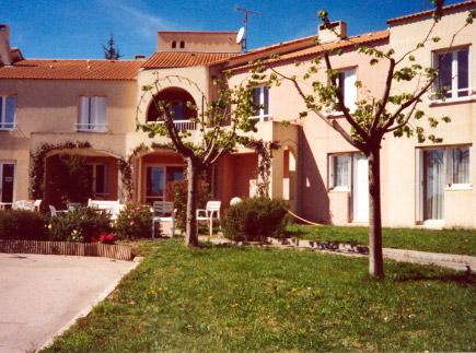 Etablissement d'Hébergement pour Personnes Agées Dépendantes - 34660 - Cournonterral - EHPAD Les Garrigues