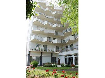 Etablissement d'Hébergement pour Personnes Agées Dépendantes - 37042 - Tours - EHPAD Résidence Georges Courteline LBA