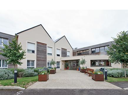 Etablissement d'Hébergement pour Personnes Agées Dépendantes - 45320 - Courtenay - Colisée - Résidence Les Pâtureaux