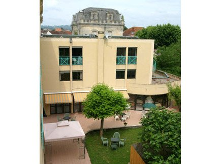 Etablissement d'Hébergement pour Personnes Agées Dépendantes - 47300 - Villeneuve-sur-Lot - EHPAD Résidence Tour de Pujols