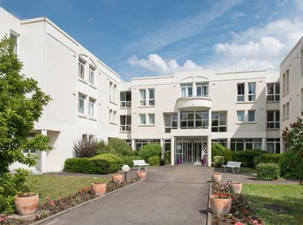 Etablissement d'Hébergement pour Personnes Agées Dépendantes - 60260 - Lamorlaye - Korian Grange des Prés