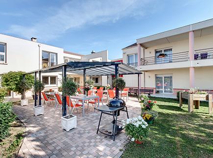 Etablissement d'Hébergement pour Personnes Agées Dépendantes - 60280 - Margny-lès-Compiègne - Colisée - Résidence Les Marais