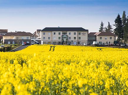 Etablissement d'Hébergement pour Personnes Agées Dépendantes - 60240 - La Villetertre - Emera EHPAD Résidence Retraite Le Val Fleury