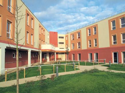 Etablissement d'Hébergement pour Personnes Agées Dépendantes - 60130 - Saint-Just-en-Chaussée - La Maison des Acacias EHPAD - Adef Résidences