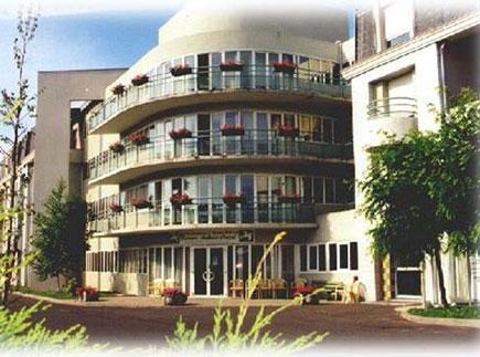 Etablissement d'Hébergement pour Personnes Agées Dépendantes - 63670 - Le Cendre - EHPAD Résidence Ambroise Croizat