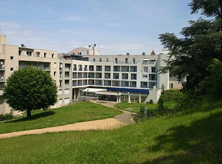 Etablissement d'Hébergement pour Personnes Agées Dépendantes - 63130 - Royat - EHPAD Résidence Anatole France
