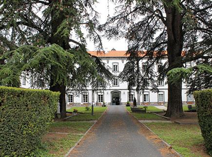 Etablissement d'Hébergement pour Personnes Agées Dépendantes - 63000 - Clermont-Ferrand - La Maison des Champs Fleuris - Adef Résidences