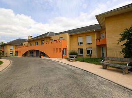 Etablissement d'Hébergement pour Personnes Agées Dépendantes - 65420 - Ibos - Emera EHPAD Résidence Retraite Maisonnée Zélia